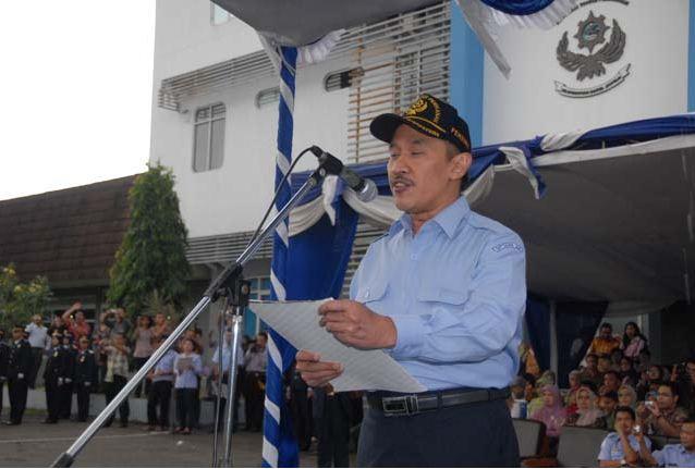 Pidato/ Laporan oleh Kepala Badan Pengembangan Sumber Daya Kelautan dan Perikanan Ir.R.Syarief Widjaja