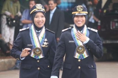 Retno Fitrianingsih (kiri) dan Ramarsa Hidayatul Bararah (kanan)